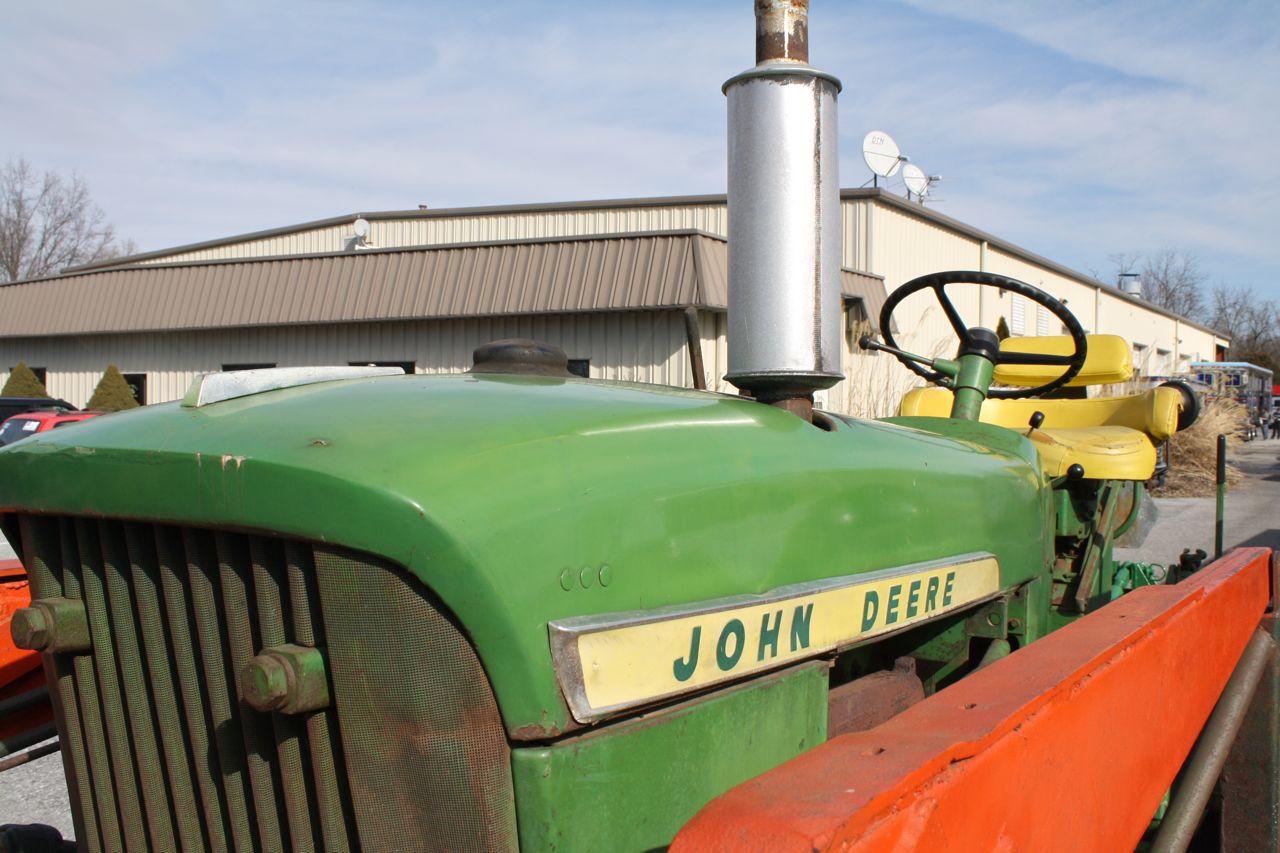 1962 John Deere 2010 Model Tractor New Idea Bucket  Brush